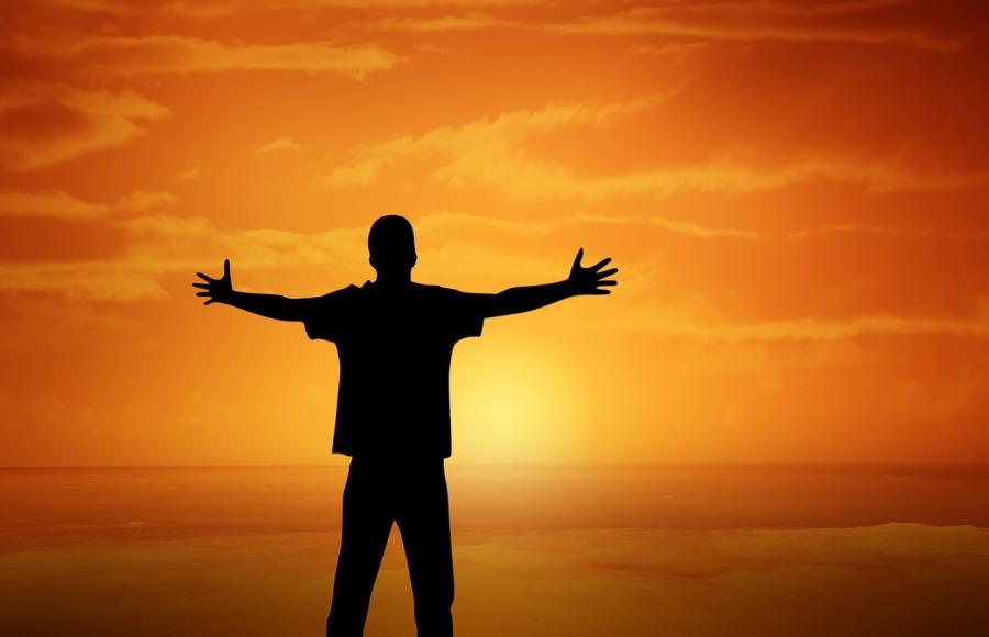 pessoa, braços abertos, sol, laranja, felicidade, liberdade
