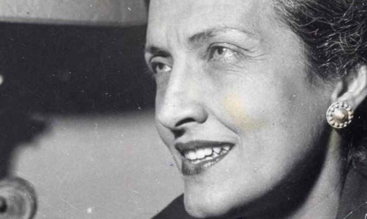 cecilia-meireles-escritora-poetisa-pintora-professora-e-jornalista-sorrindo-close-perfil