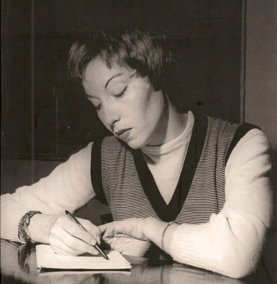 clarice-lispector-escritora-e-jornalista-escrevendo