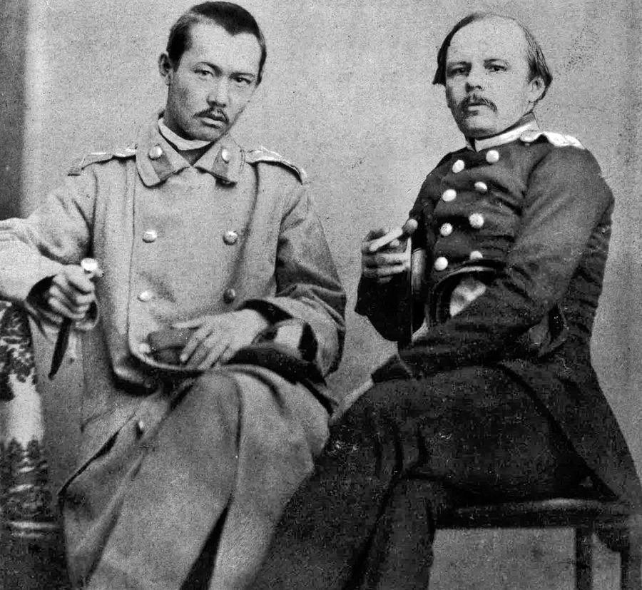 Dostoiévski com Valikhanov.