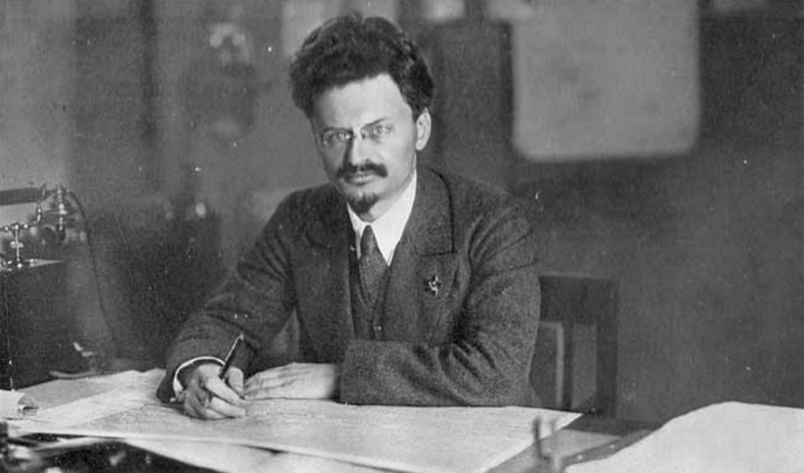 leon-trotsky-intelectual-marxista-e-revolucionario-a-mesa