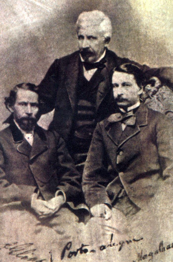 tres-renomados-escritores-brasileiros-do-seculo-xix-da-esquerda-para-direita-goncalves-dias-manuel-de-araujo-porto-alegre-e-goncalves-de-magalhaes-1858