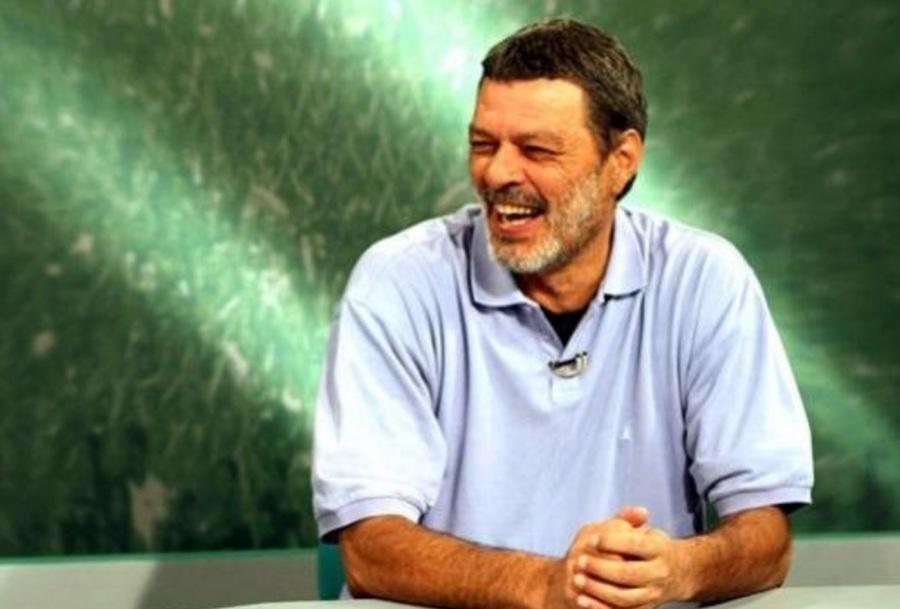 socrates-medico-ativista-e-futebolista-brasilerio-cartao-verde-programa-tv-cultura-esporte